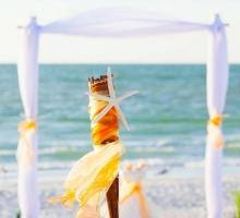 Themed Florida beach weddings - shades of yellow