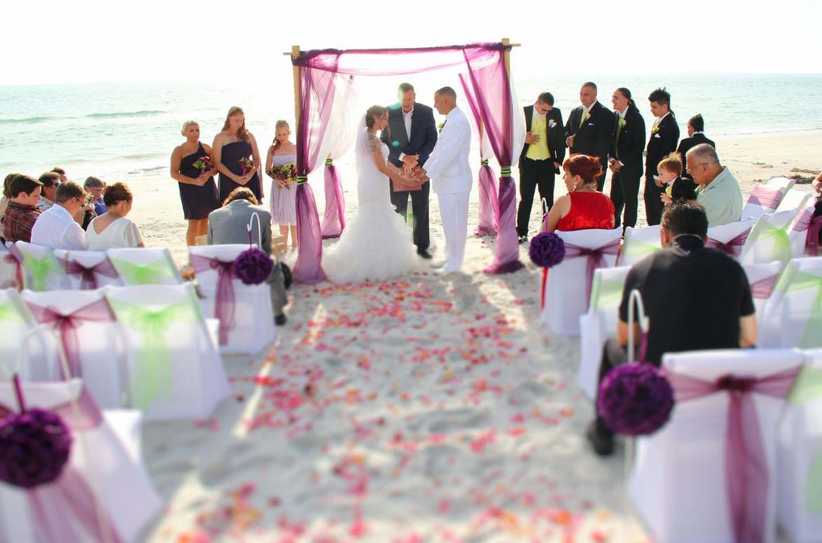 Styling Tips For Embracing A Beach Wedding Theme: Beach Wedding Style By Suncoast WeddingsSuncoast Weddings