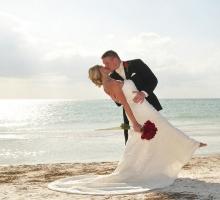 Florida beach wedding themes - red romance