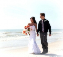 florida beach wedding style with a stunning bouquet