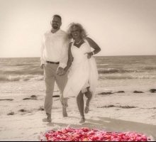 Florida beach wedding packages by Suncoast Wedding - the Gulf Beach package - affordable and romantic