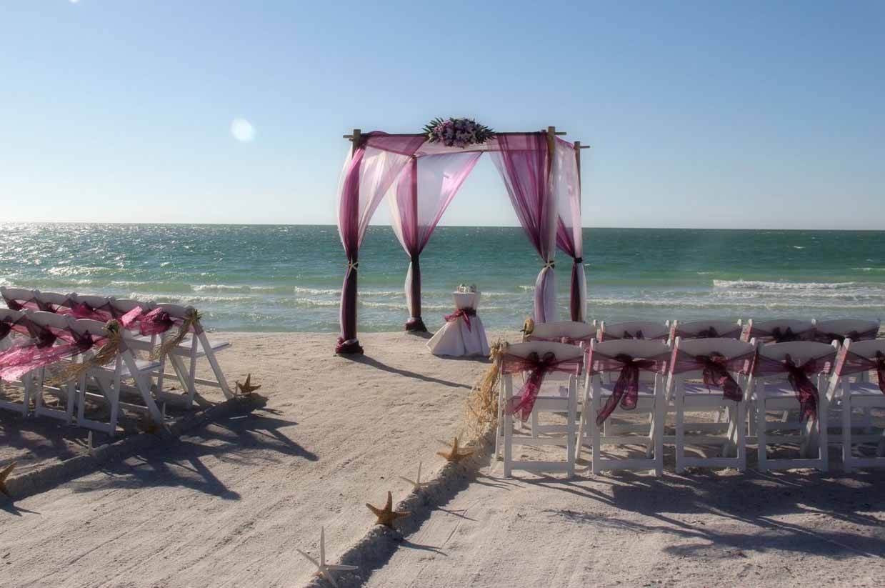 Styling Tips For Embracing A Beach Wedding Theme: Florida Beach Wedding Themes By Suncoast WeddingsSuncoast