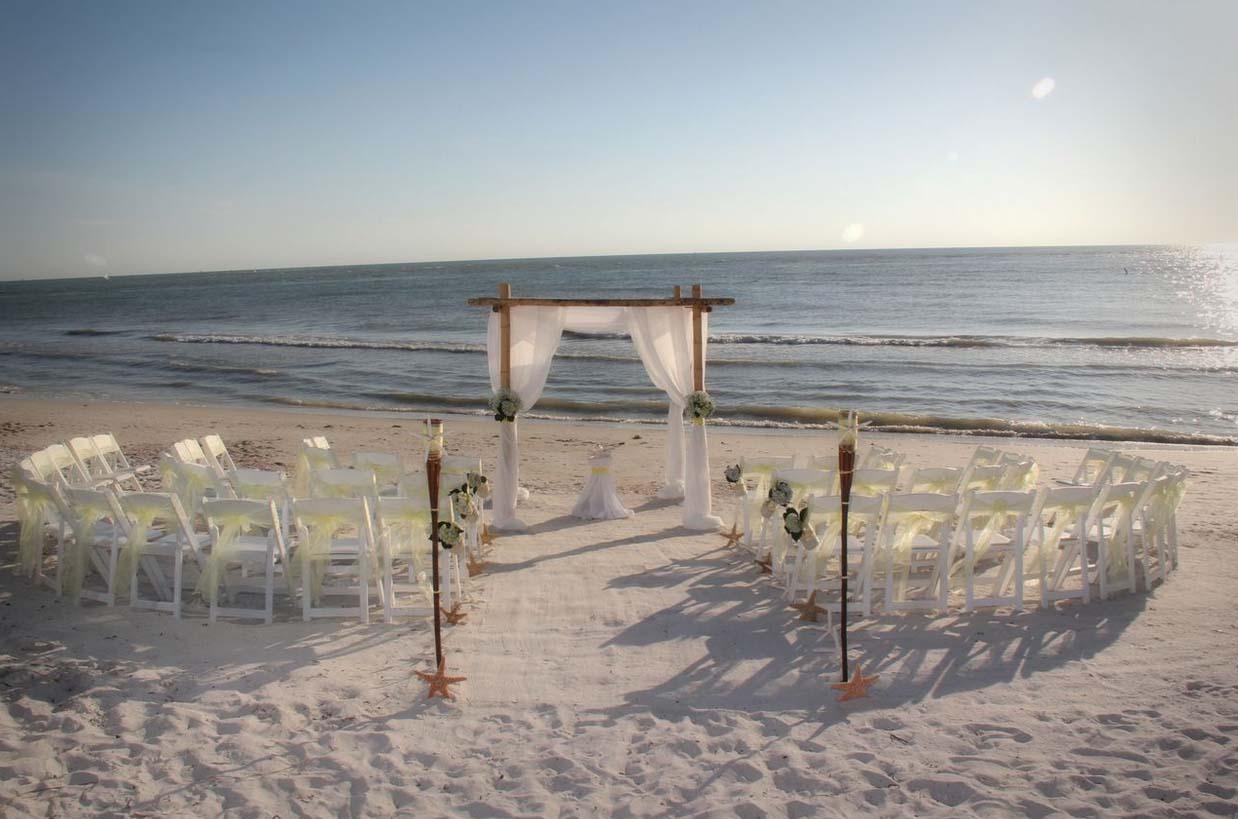 Circle Seating Arrangement For Beach Wedding: Florida Beach Wedding Themes By Suncoast WeddingsSuncoast