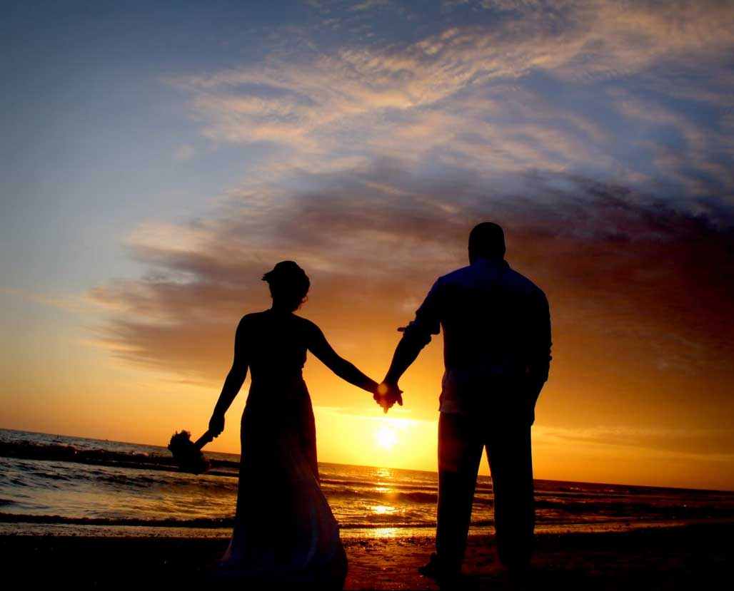 Florida Beach Wedding On A Gulf At Sunset